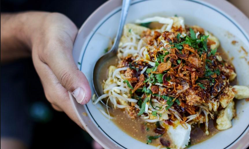 Makanan Khas Jawa Barat-Kupat Tahu